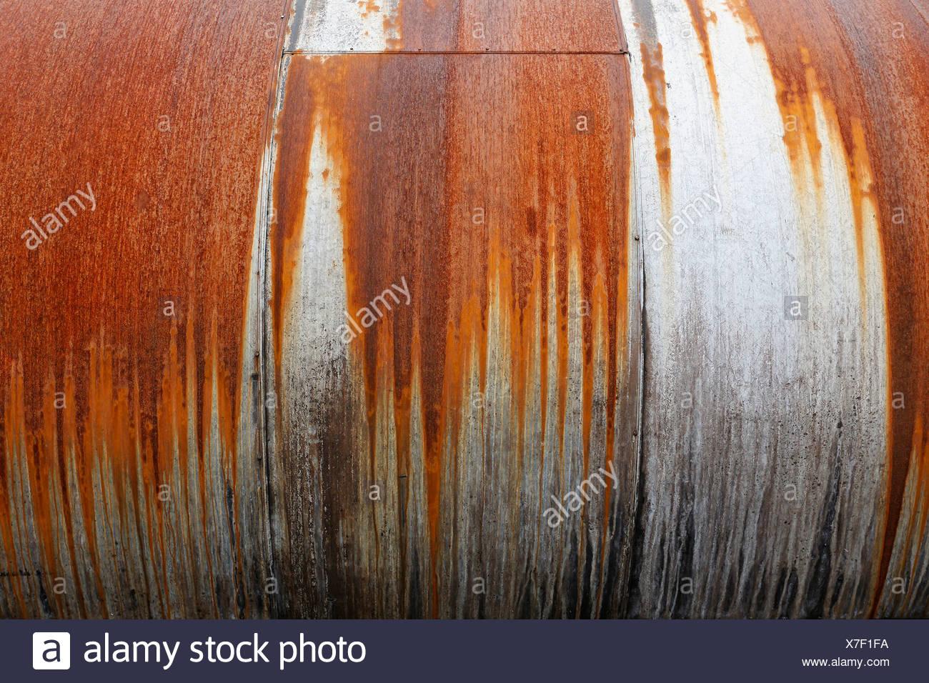 Rost an einem riesigen Metall Zylinder Stockbild