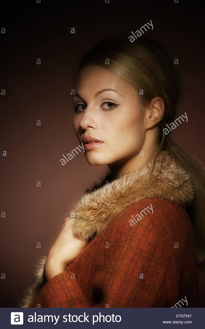 reputable site 98caf 31bc4 Frau, jung, Pelzkragen, Porträt, Seite, Menschen, Frau ...