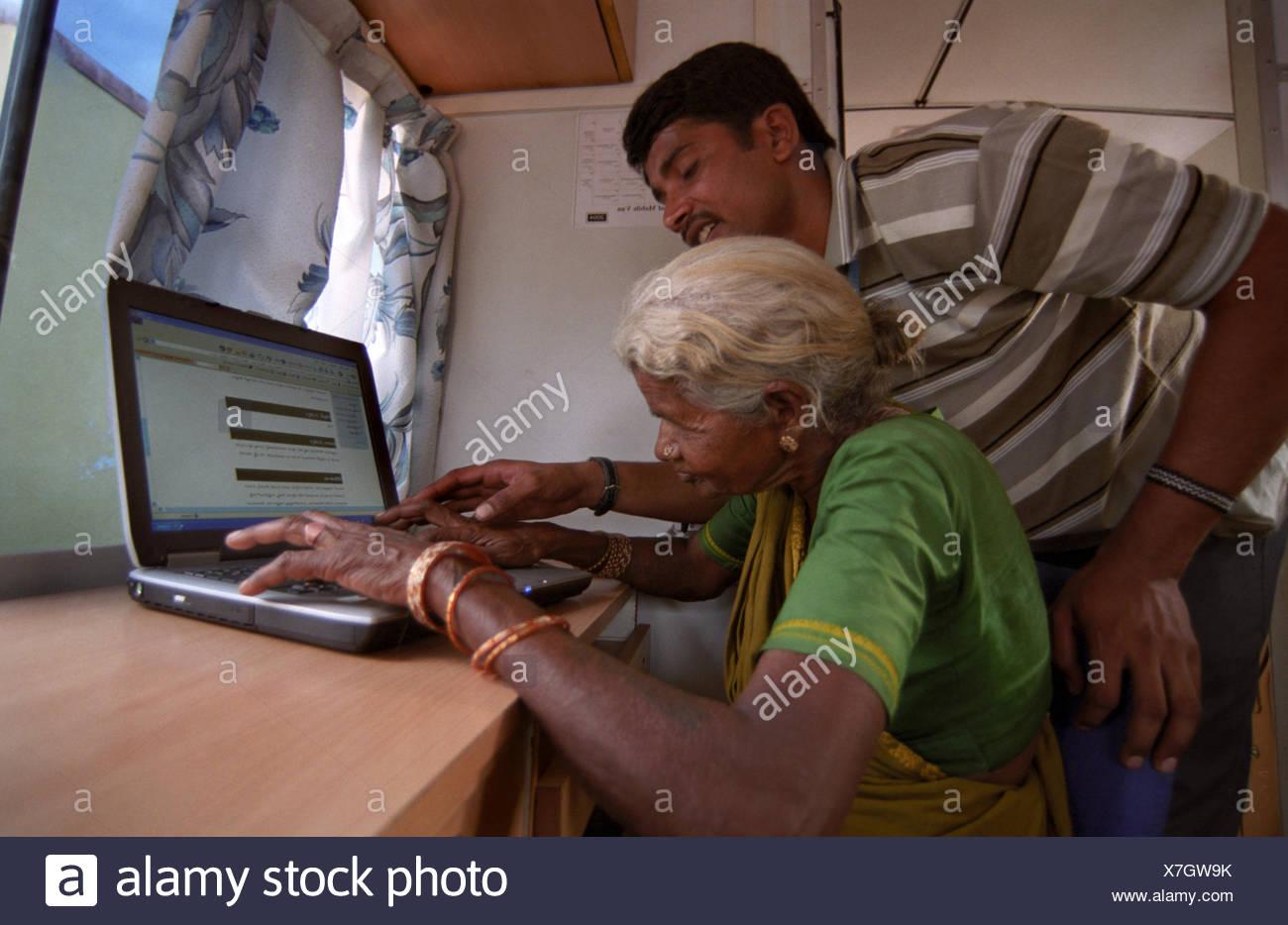 Mann Lehre computer Stockfoto