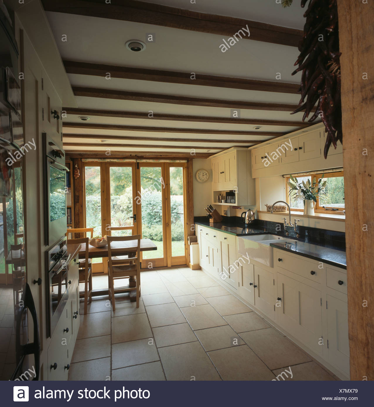 Floor Beams Stockfotos & Floor Beams Bilder - Seite 2 - Alamy