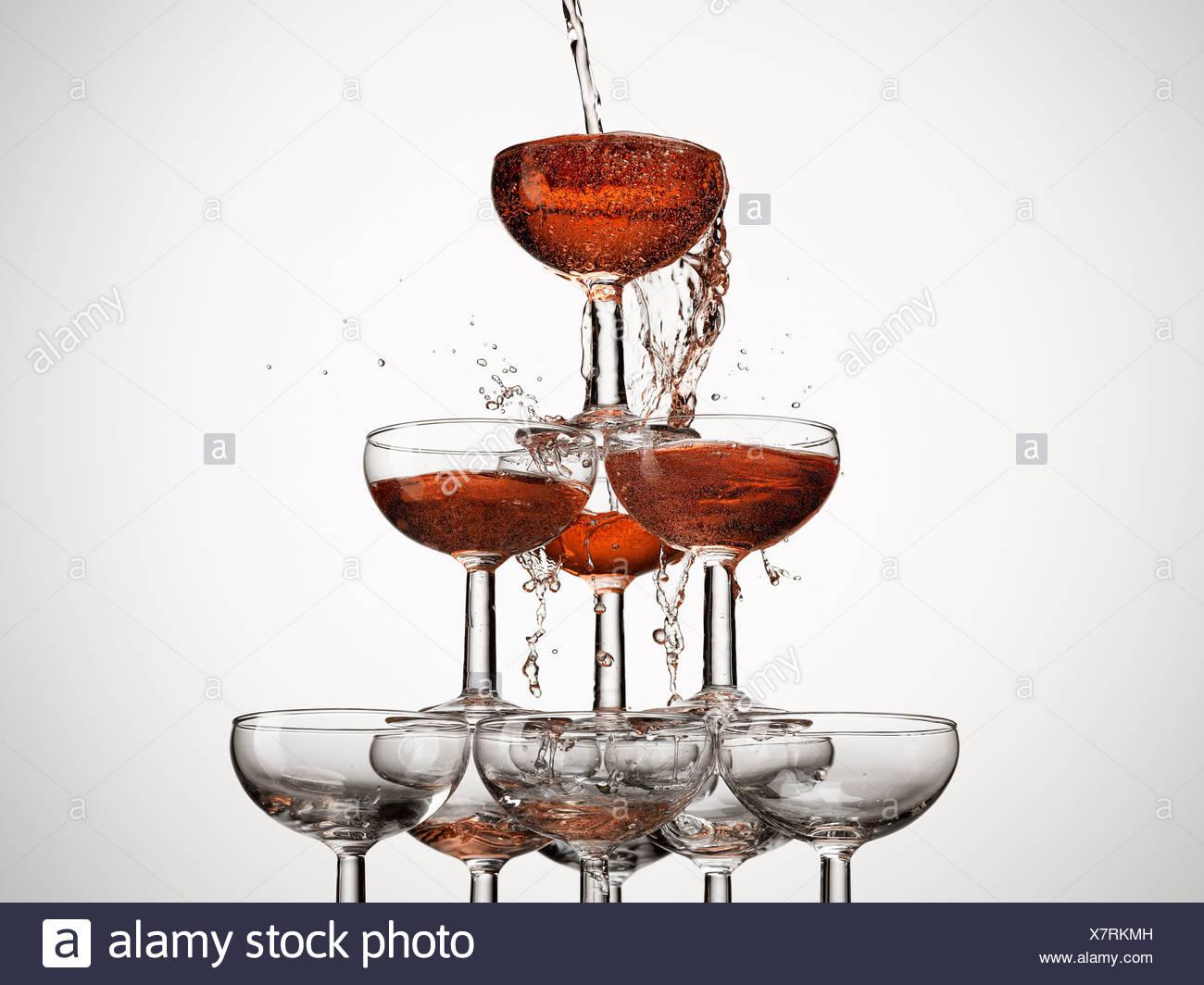Fülle, Vorfreude, Aspiration, Anfänge, Blase, Feier, Sektglas, Farbbild, Konzept, überschüssige, Füllung, Essen und Stockbild