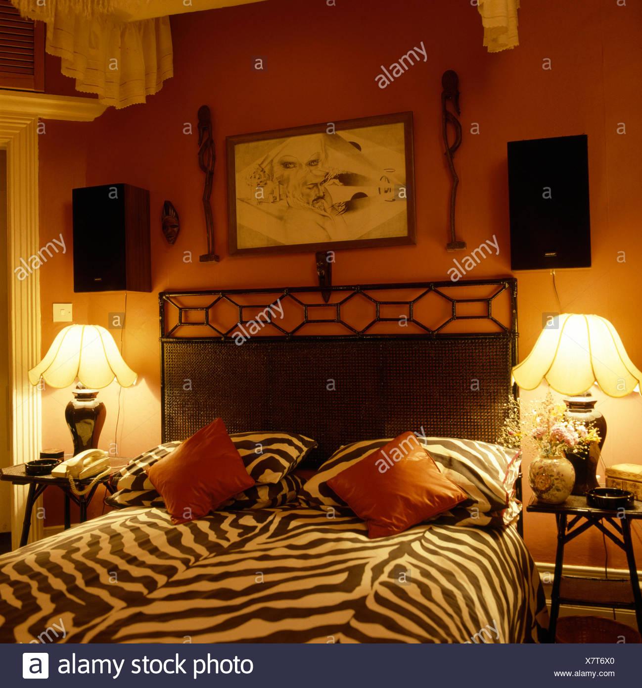 Tiger Bettwäsche bedrucken Bett in siebziger Jahre mit ...