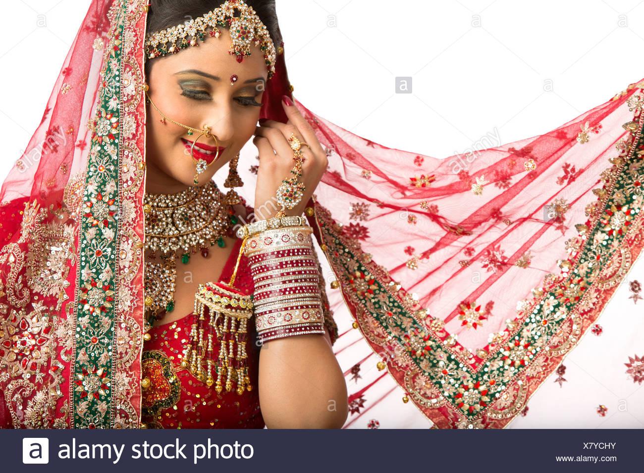 Fein Indian Braut Brautkleid Fotos - Brautkleider Ideen - cashingy.info