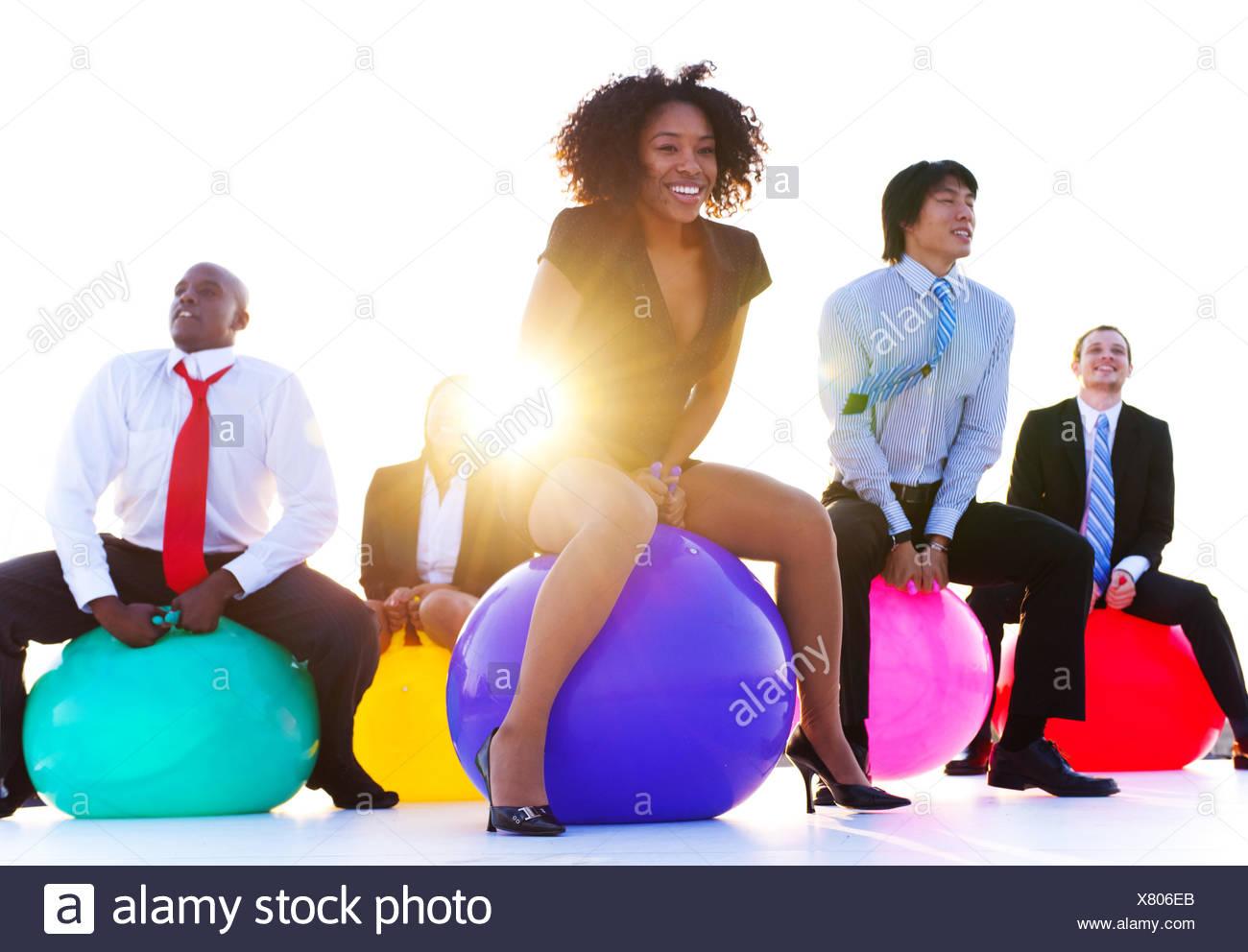 Geschäftsleute, entspannen und Spaß haben. Stockbild