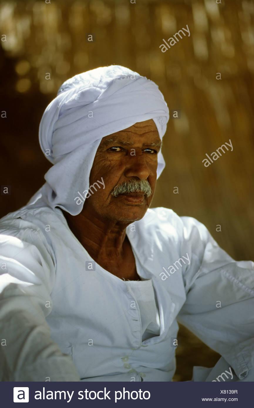 Beduinen in Tracht, ägyptischen, Kleidungsstück, Portrait, Dschjellahba, Jelleba, Bart, stolz, Leinen, arabischen, weiße, Ägypten, A Stockbild