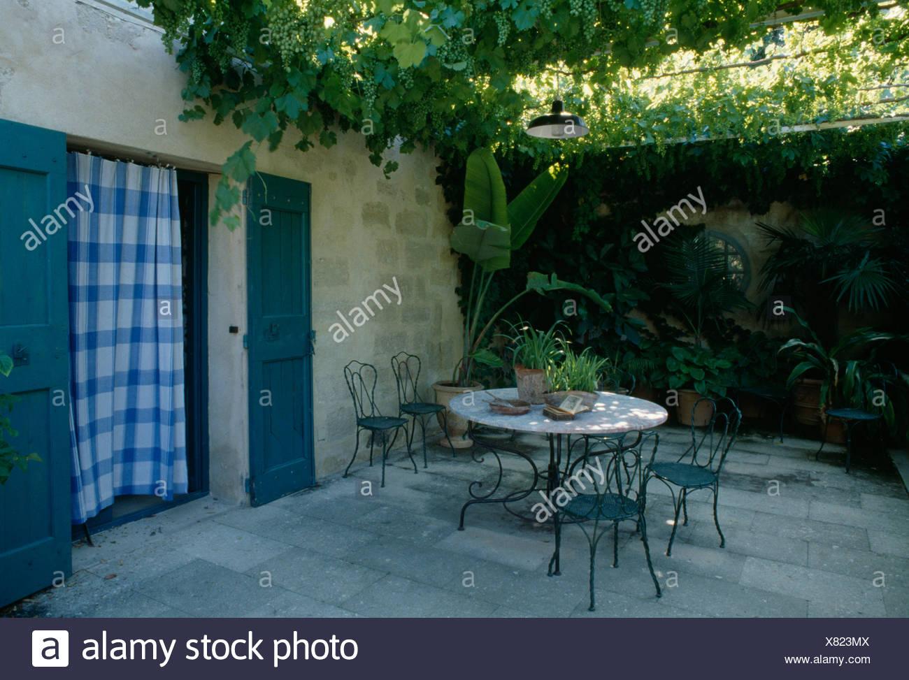 Grapevine Doorway Stockfotos & Grapevine Doorway Bilder - Alamy