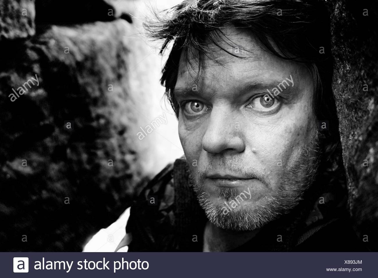 Porträt des Mannes mit Stoppeln Stockbild