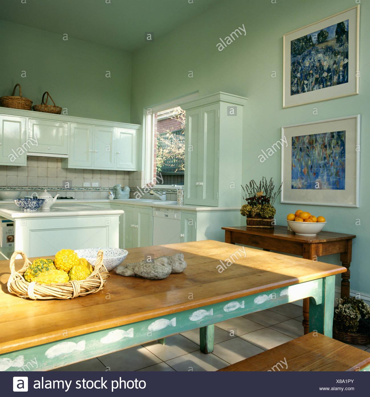 Kitchen Pastel Pastels Stockfotos & Kitchen Pastel Pastels Bilder ...