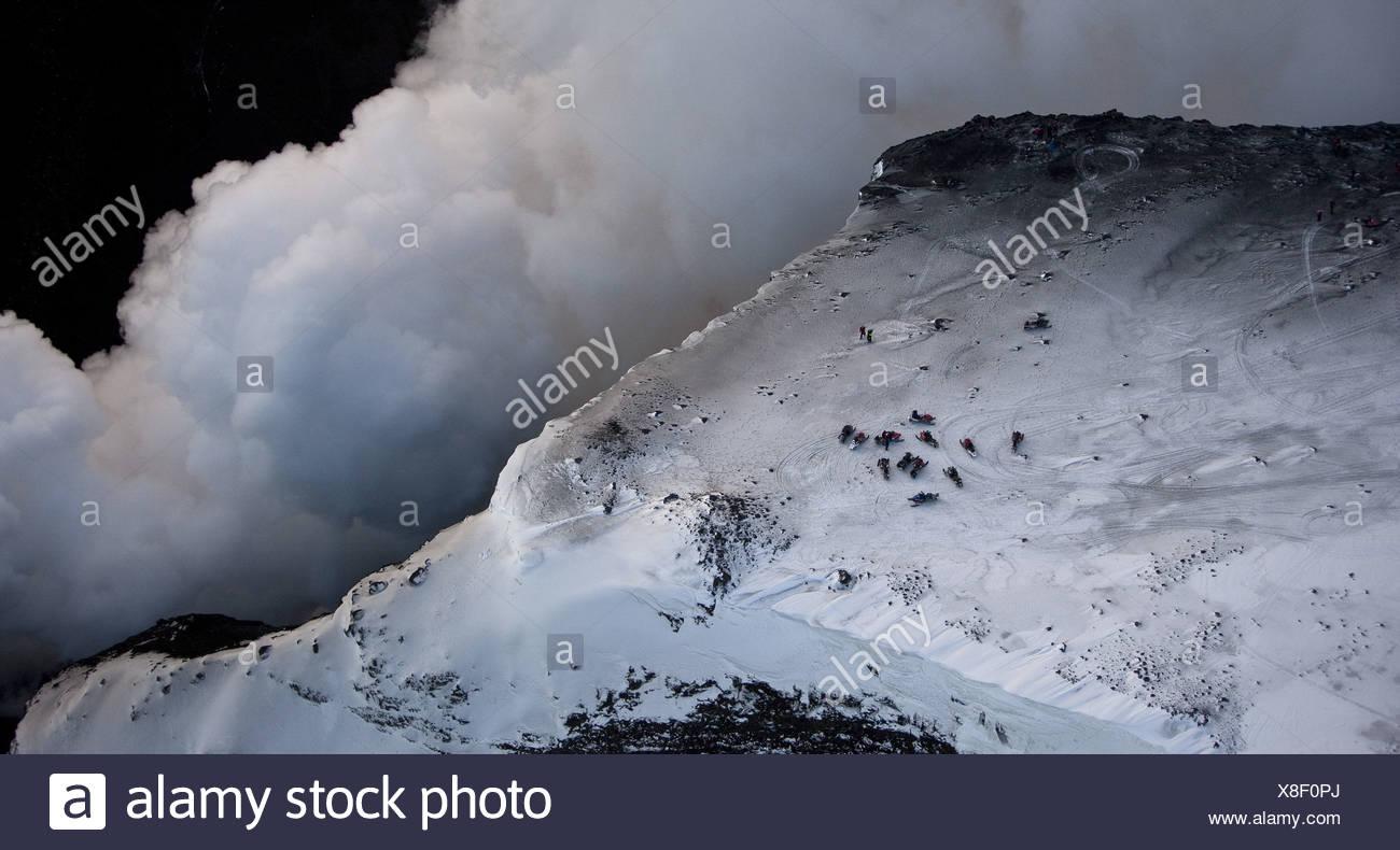 Dampf und Lava Vulkan Vulkanausbruch in Island am Fimmvörðuháls, einem Bergrücken zwischen Gletscher Eyjafjallajökull und Mýrdalsjökull Gletscher Stockbild