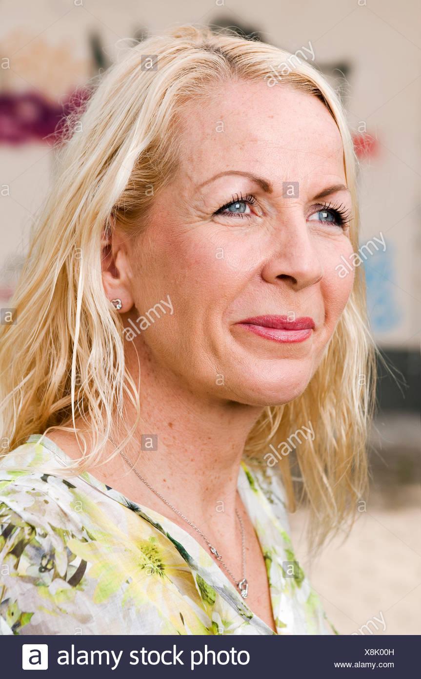 Fotos von nackten Frauen mittleren Alters