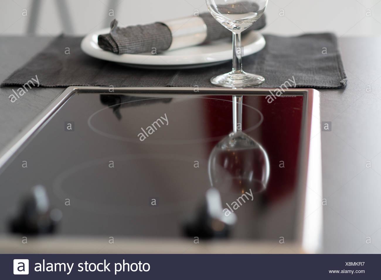 Ausgezeichnet Wein Dekorationen Für Die Küche Ideen - Küchenschrank ...