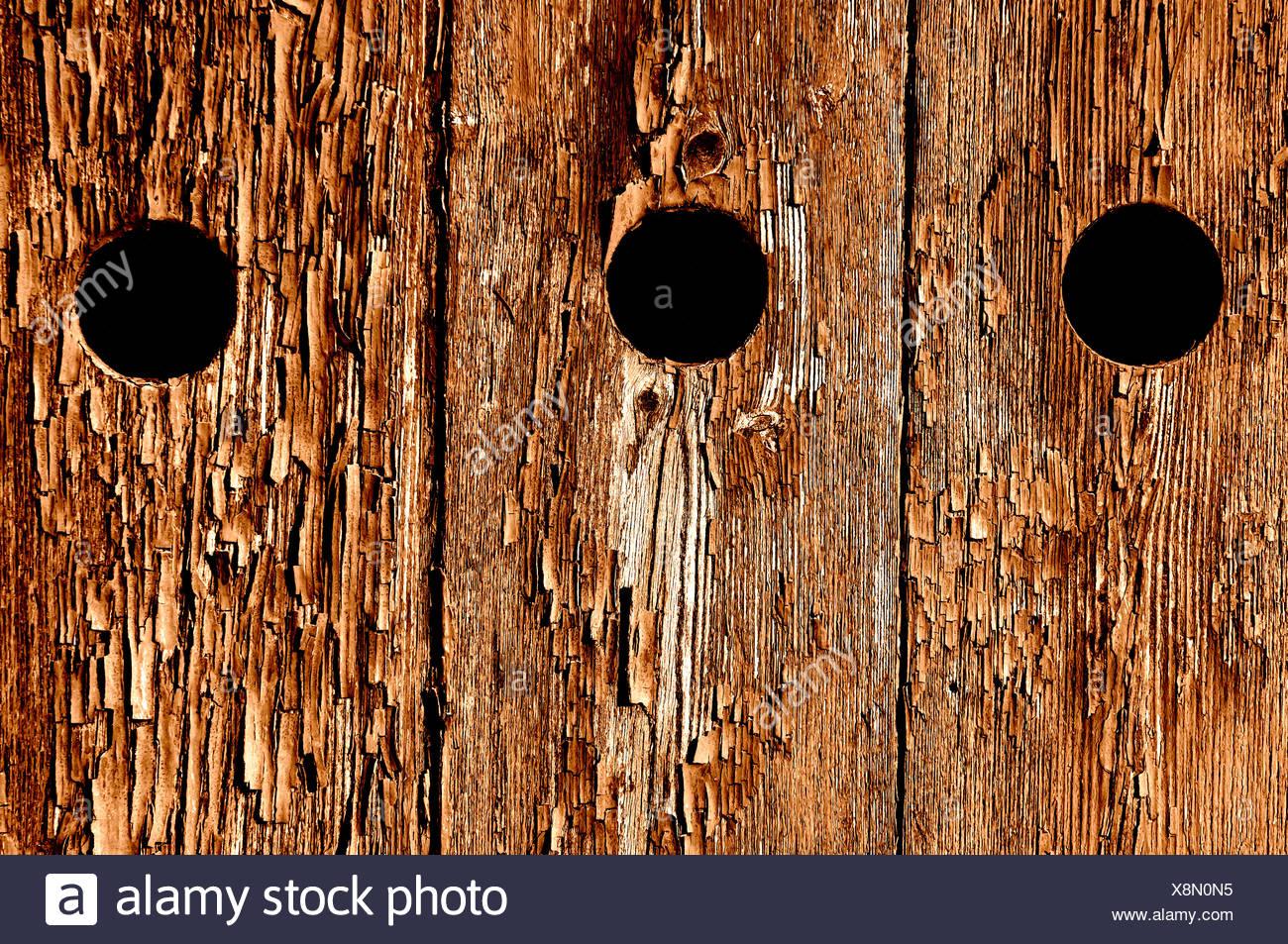 abgeplatzte Farbe an einer Tür Stockbild
