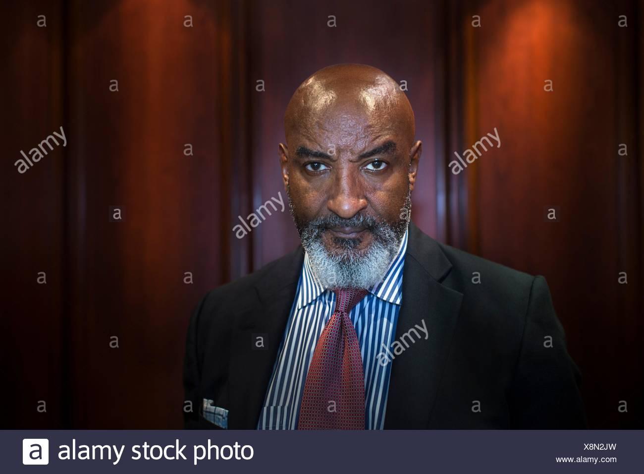 Porträt von reifer Geschäftsmann Stockbild