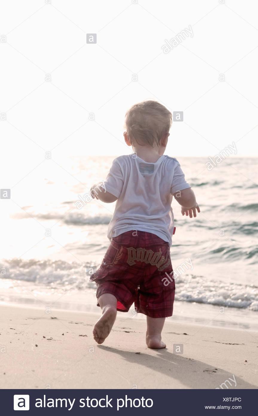 Kind von Strand Stockbild