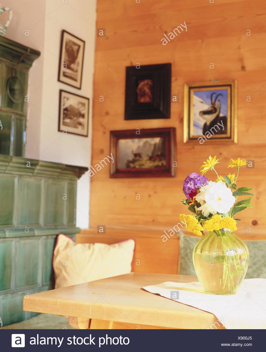 wohnraum kachelofen detail zimmer bauernstube kuche wohnraum essecke eckbank esstisch holzteil mobel st mobel wand wandbelag wande aus holz