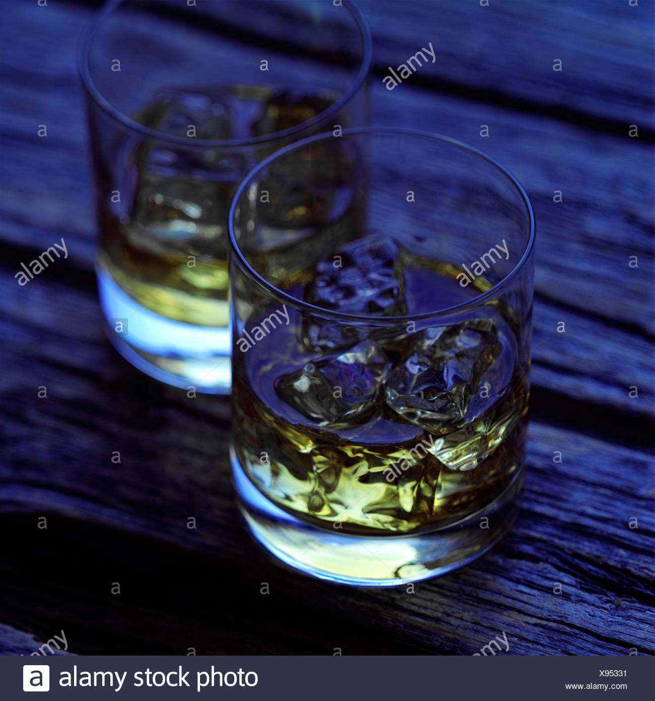 Großzügig Whisky Regal Bauen Bilder - Innenarchitektur-Kollektion ...