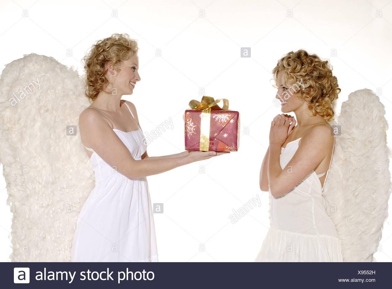 Frauen junger blonde Engel Flügel lächelnd fröhlich ...