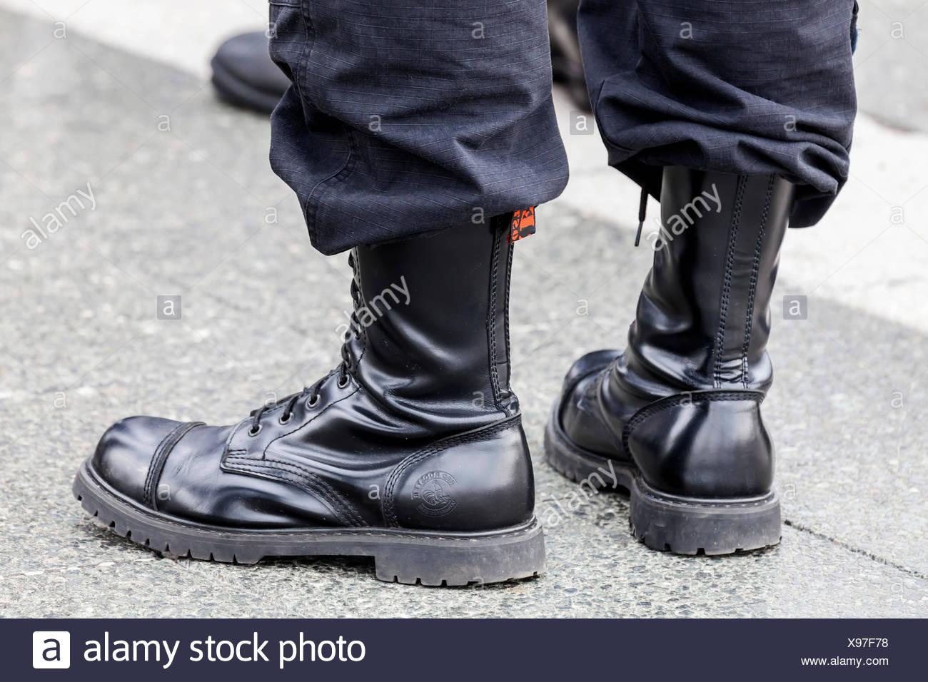 Combat Boots Nazi Stockfotos & Combat Boots Nazi Bilder Alamy