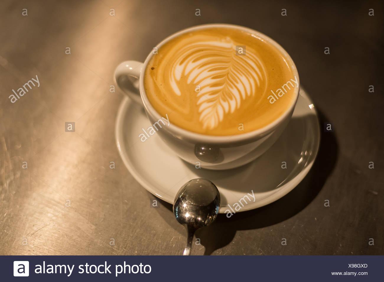 Berlin, Deutschland, frisch gebrauten Kaffee im Café West-Berlin Stockbild