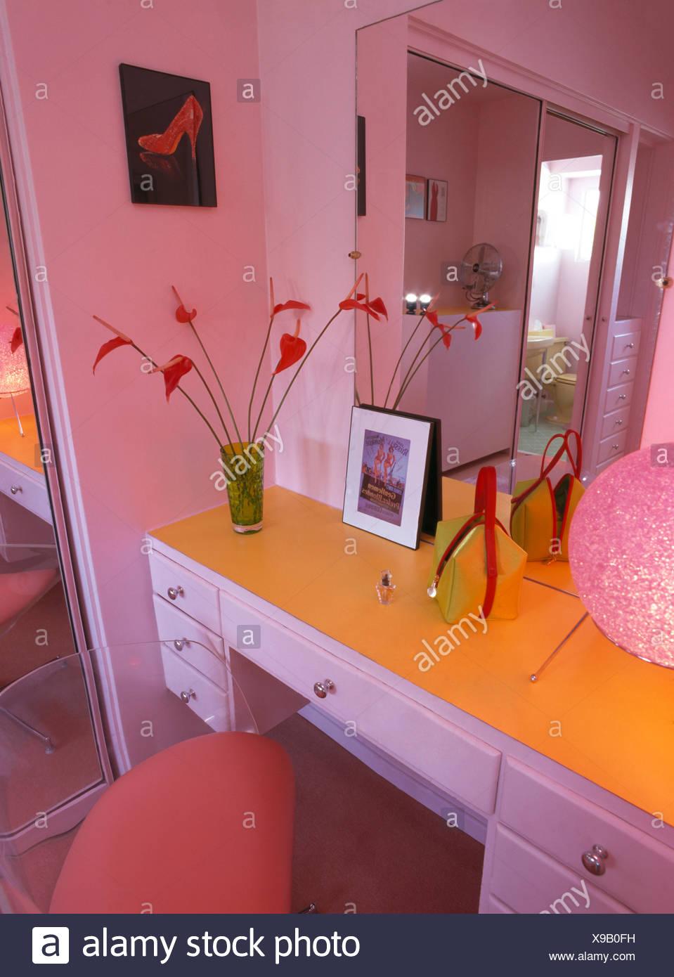 Spiegel oben montiert Schminktisch rosa 50er Jahre Stil Schlafzimmer ...