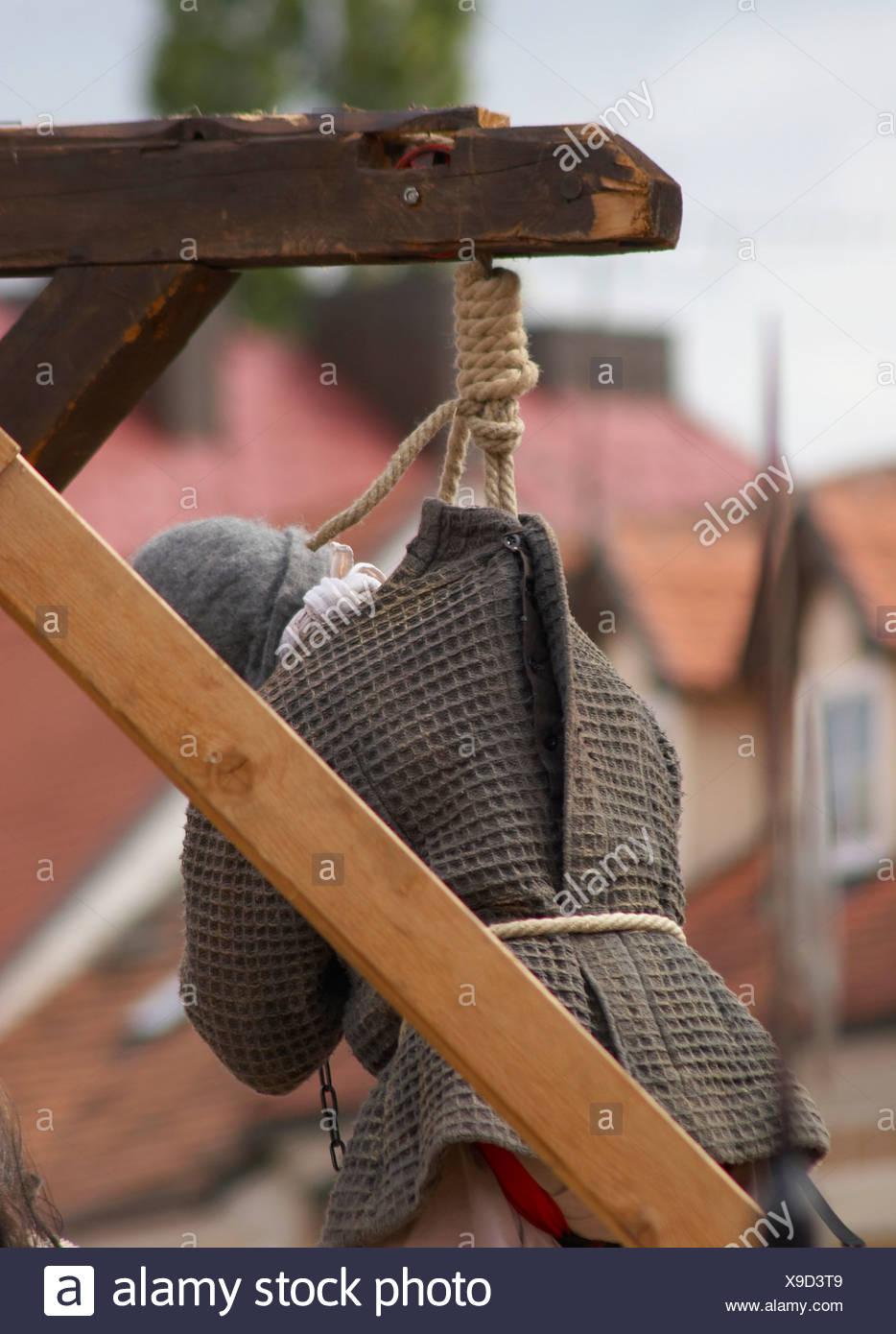 Frauen am galgen aufhängen