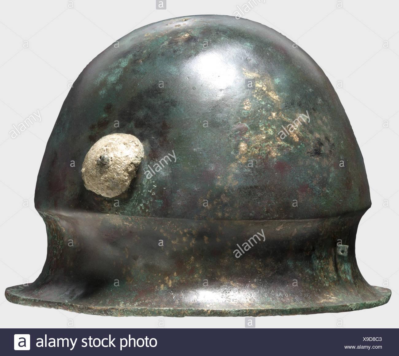 Sehr Alt; Höhe 17 Cm Durch Wissenschaftlichen Prozess Gefertigt Nach 1945 Schwere Kanne Oder Vase Aus Messing Oder Bronze