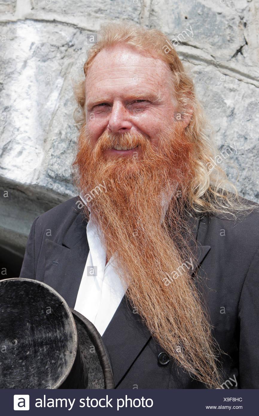 Mann Haare Im Gesicht Porträt Stockfoto Bild 281233832 Alamy