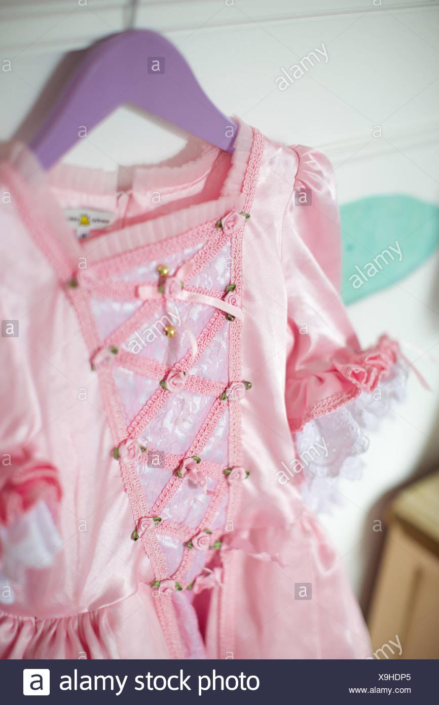Marchen Kleid Auf Kleiderbugel Kostum Stoff Hangend Mode