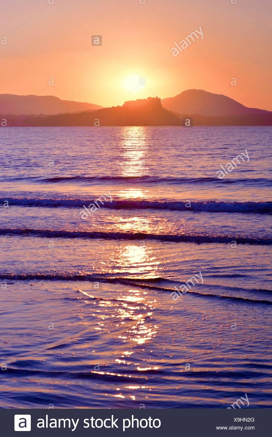 Malerische Aussicht auf Meer gegen Himmel bei Sonnenuntergang Stockbild