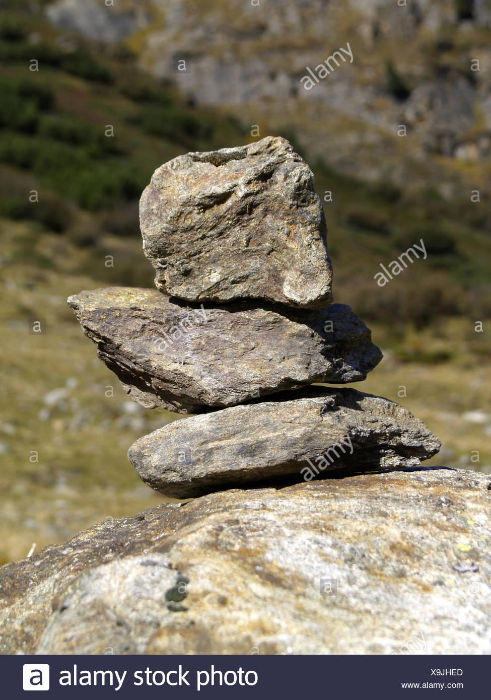 Alpen, Aussenaufnahme, Berg, Berge, Fels, Felsen, Gebirge, Landschaft, Markierung, Oesterreich, Lebensform, Biodiesel, Stapel, Stei Stockbild
