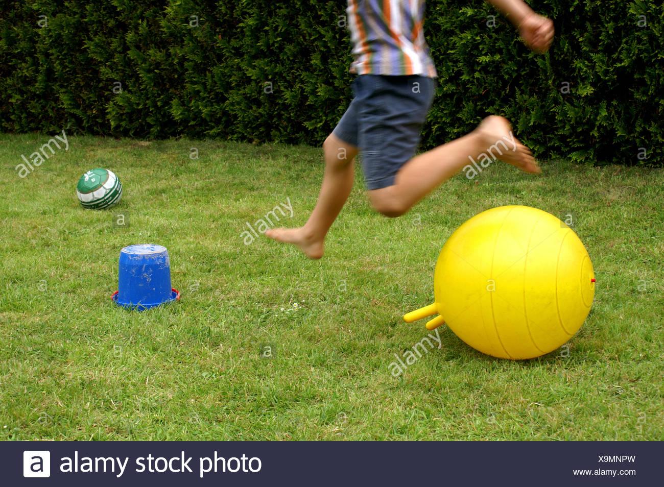 Spass Spiele Garten Sprung Stockfoto Bild 281353937 Alamy