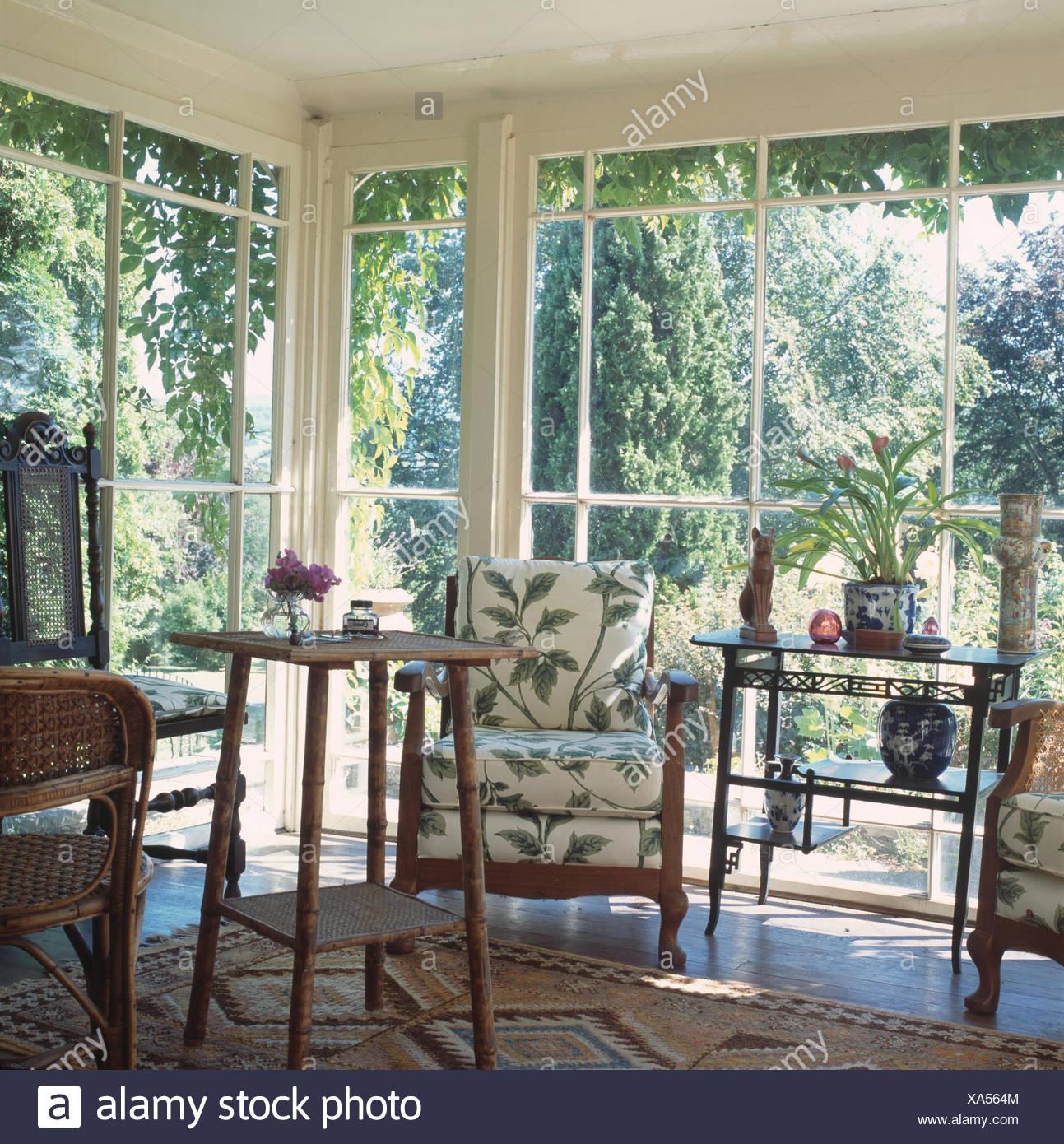 Bekannt Antike Stühle Tisch und Bergere Stativ im traditionellen QA82