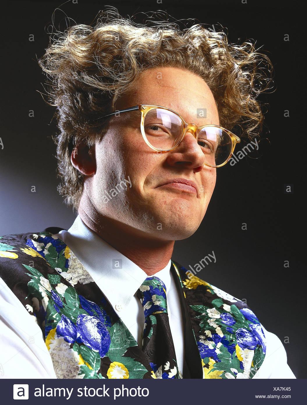 Mann Brille Haare Locken Mimik Untersuchen Porträt