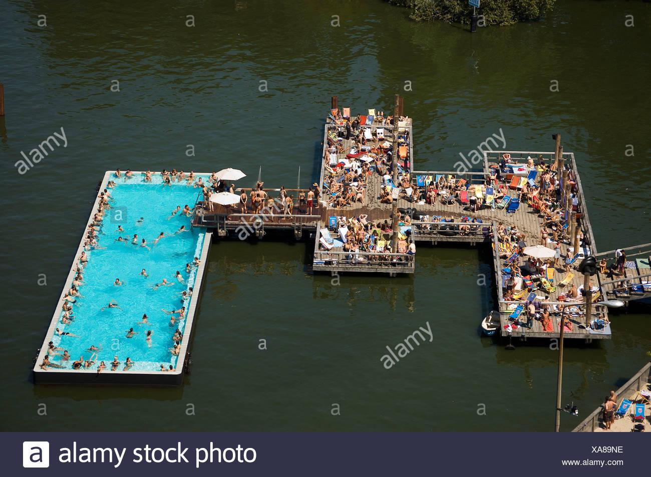 """""""Badeschiff"""", """"Badeschiff"""", öffentliches Schwimmbad, Fluss Spree, Berlin, Deutschland Stockbild"""