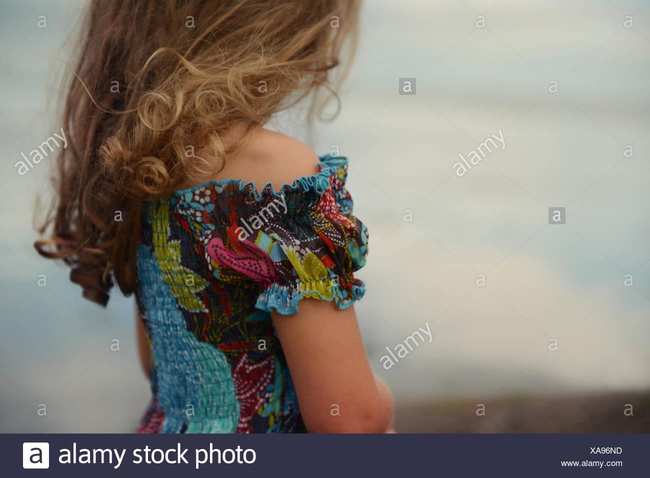 Mittleren Bereich des blonden Mädchens (4-5) Stockbild