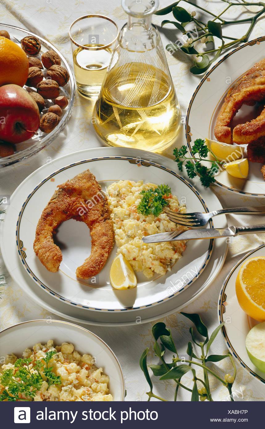 Weihnachtsessen Karpfen.Tschechische Küche Weihnachtsessen Misshandelte Karpfen