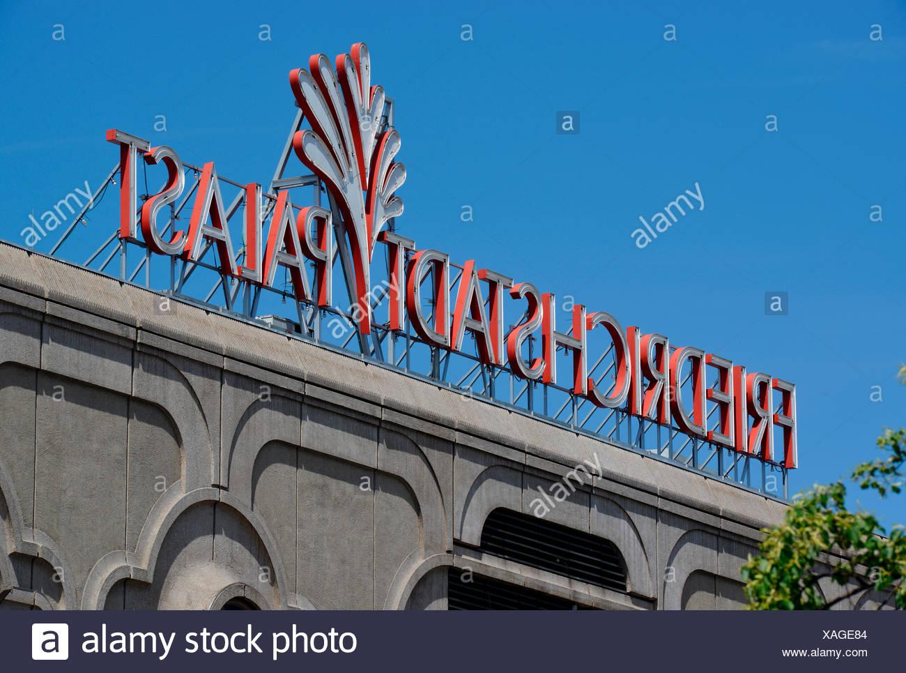 Friedrichstadtpalast, Friedrichstraße, Mitte, Berlin, Deutschland Stockbild
