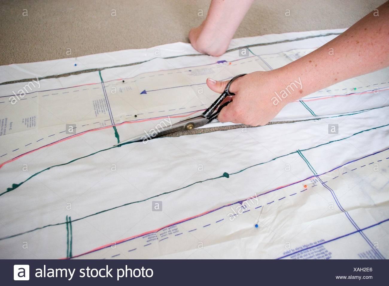 Dressmaking Pattern Stockfotos & Dressmaking Pattern Bilder - Alamy