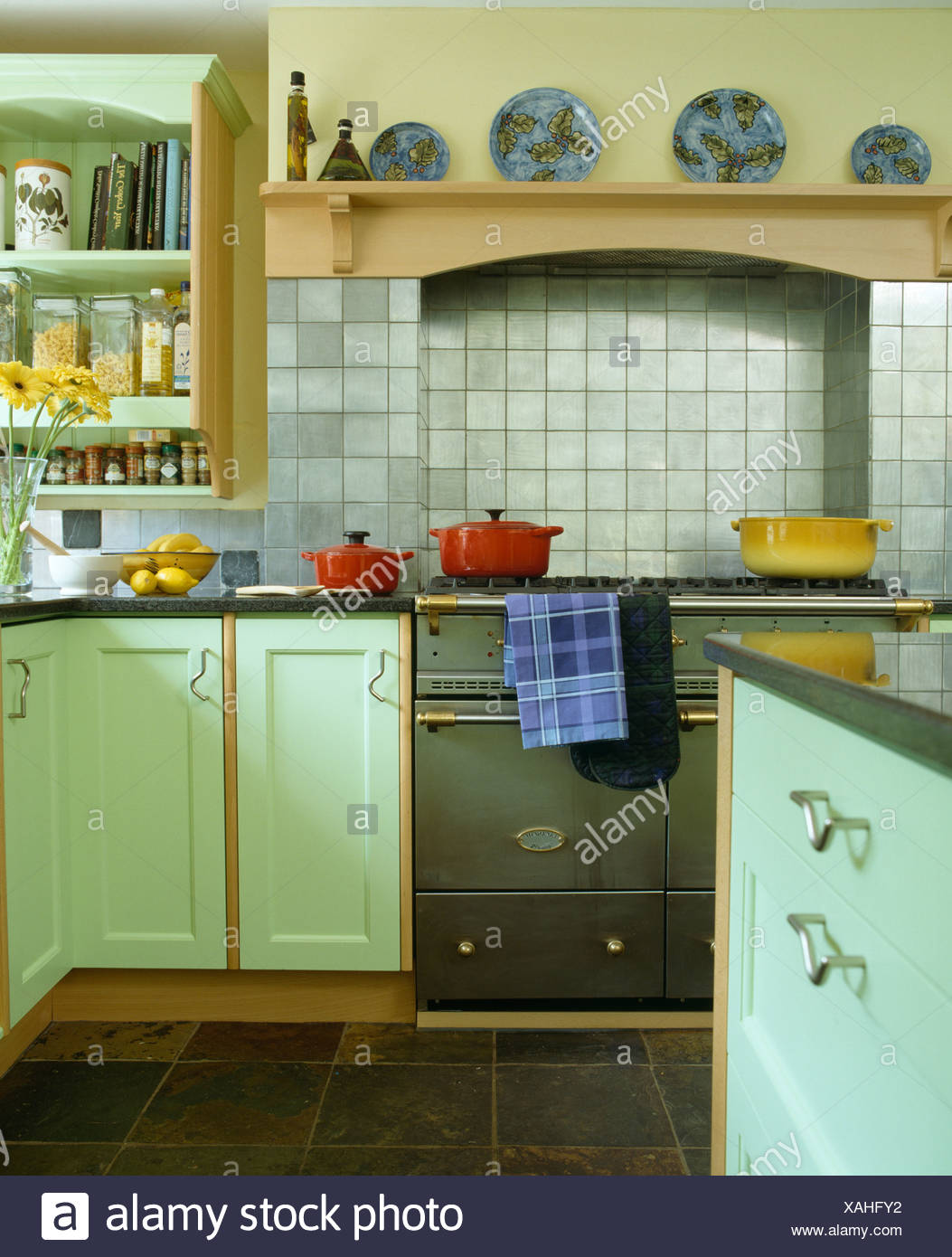 Kitchen Pastel Pastels Stockfotos & Kitchen Pastel Pastels Bilder ...