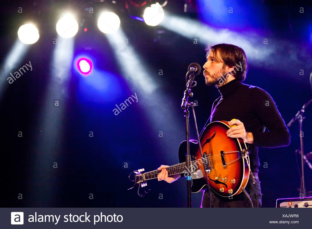 James Dale aus der britischen alternative-Pop und Rock band Goldheart Assembly, die live im Konzertsaal Schueuer, Luzern Stockbild