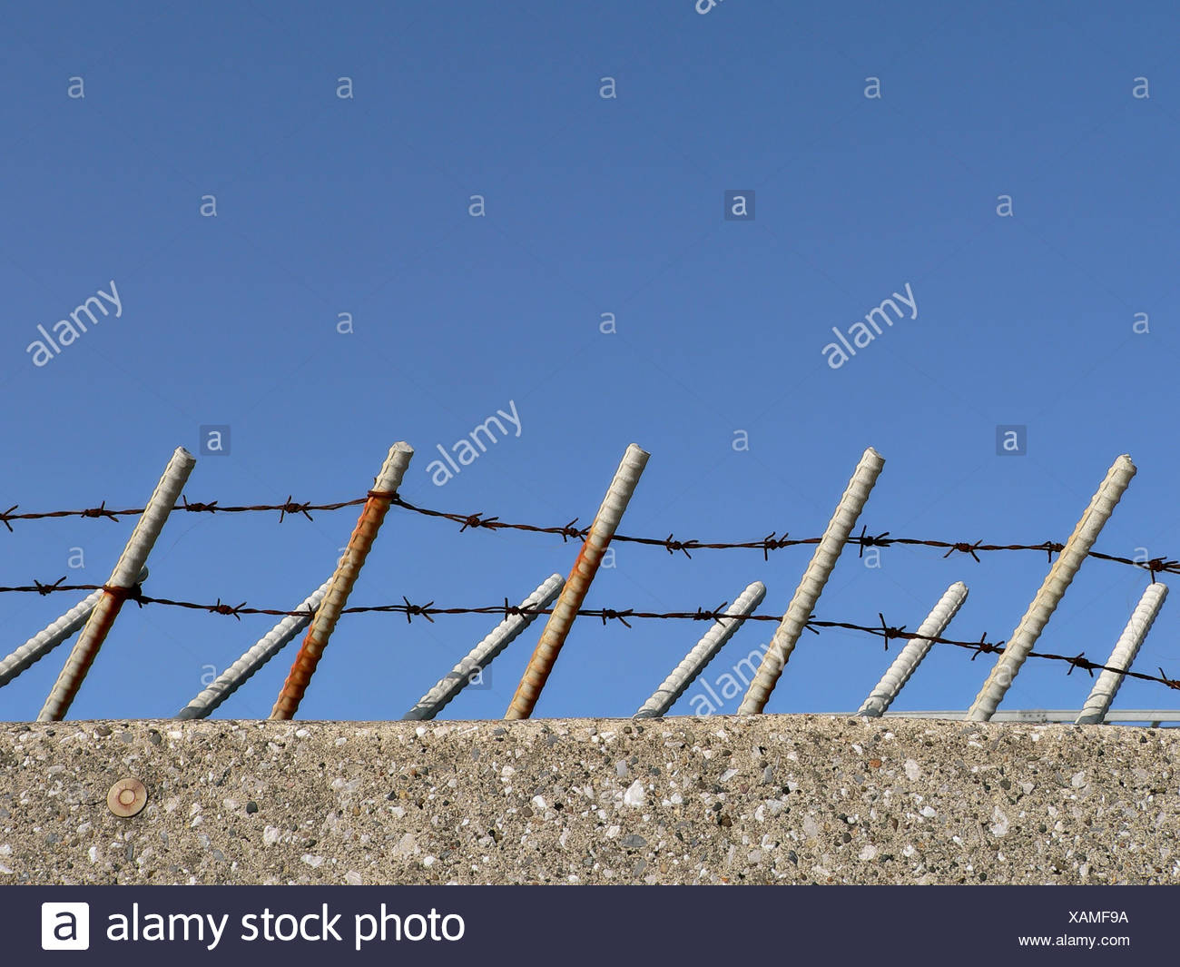 Guard Wire Stockfotos & Guard Wire Bilder - Alamy