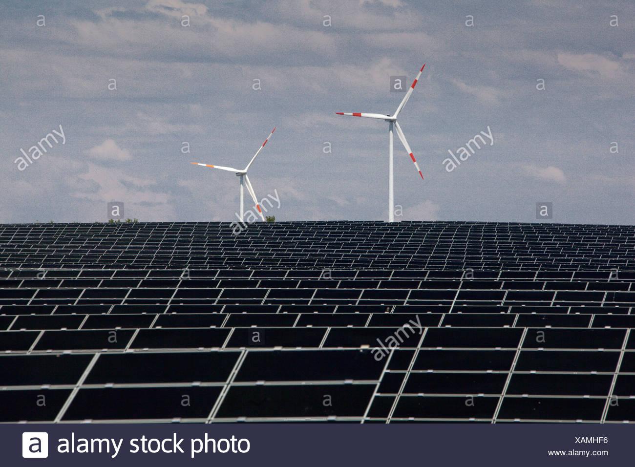 Deutschland, Energie, Solarenergie, Sonnenenergie, Windturbine, alternative Energien, Ökologie, Energie, Solar, panel Stockbild