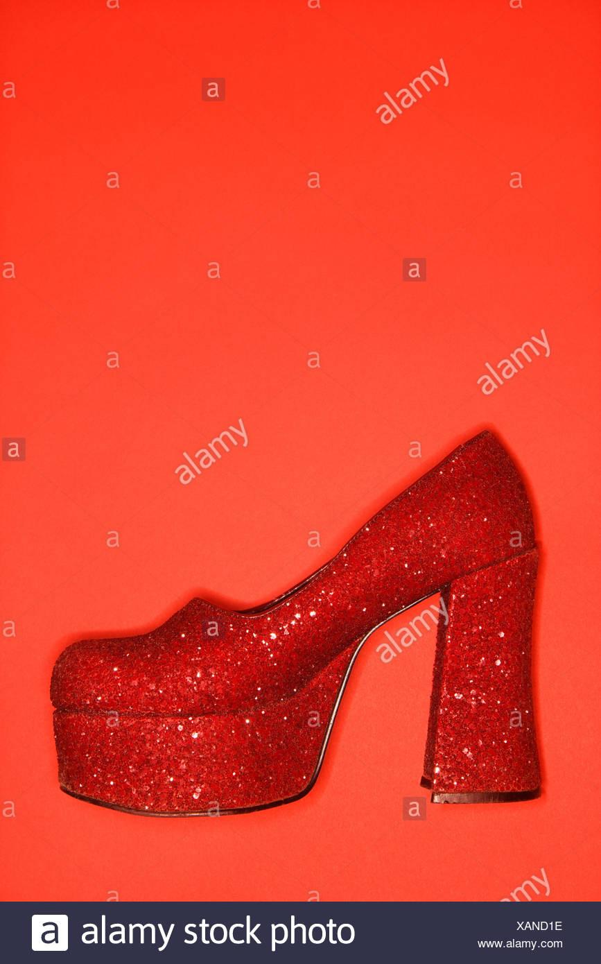 High Schuh Rote StockfotoBild Glitzer Heel Rotem Hintergrund Vor WxEQrBdCoe