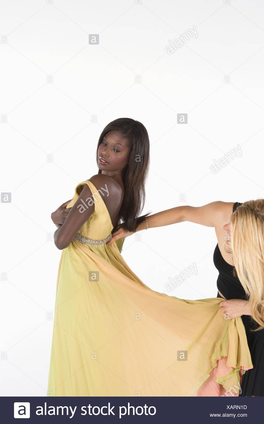 Berühmt Leuchtend Gelbes Abschlussballkleid Galerie - Brautkleider ...