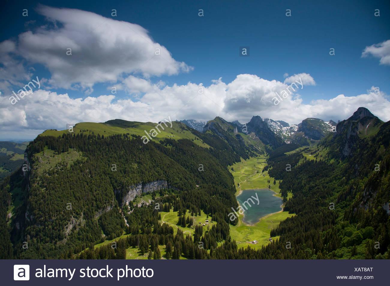 Abend Stimmung in den Alpsteingebirge Bergen, Blick vom Mt. Säntis mit Mt. Altmann, Appenzellerland, Alpen, Schweiz Stockbild