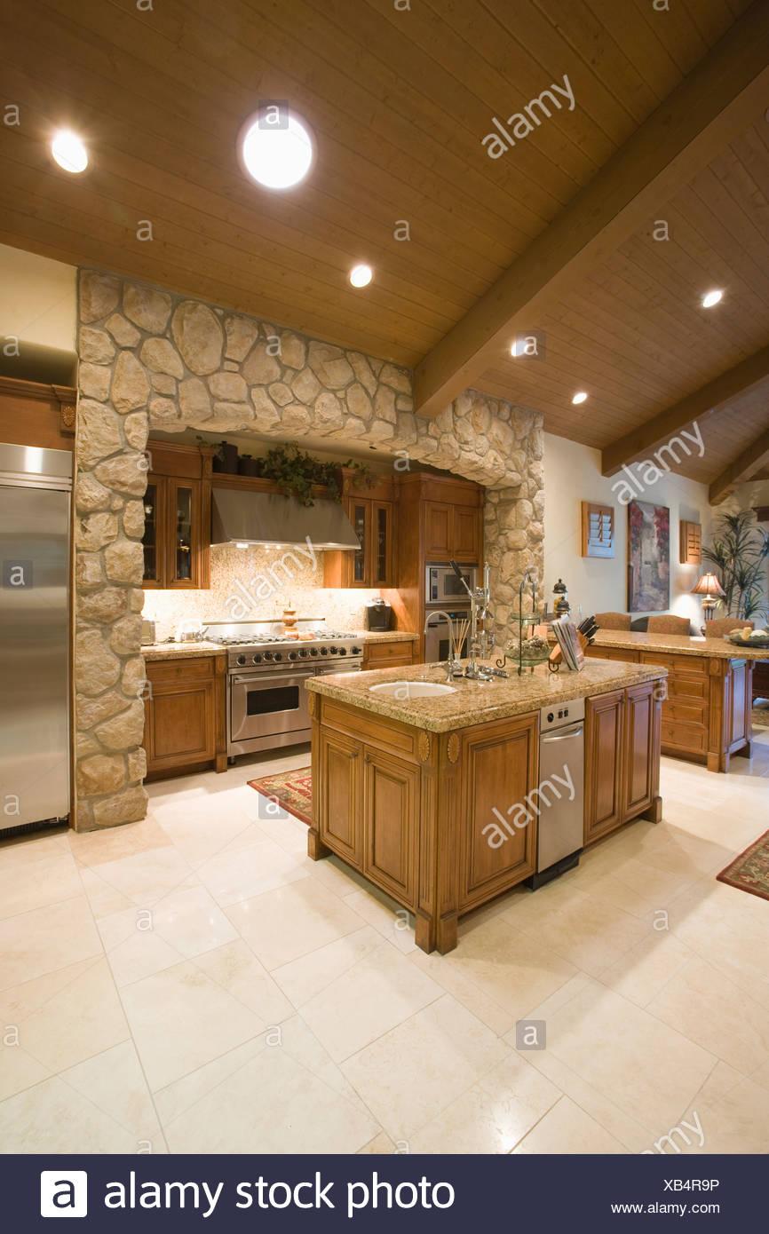 Wooden Ceiling Stockfotos & Wooden Ceiling Bilder - Alamy
