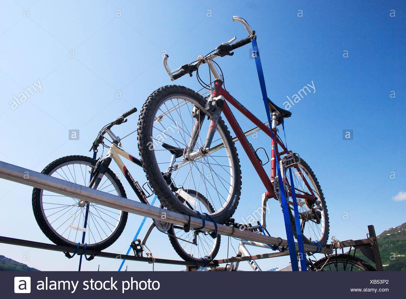 Cycle Mounted Stockfotos & Cycle Mounted Bilder - Alamy