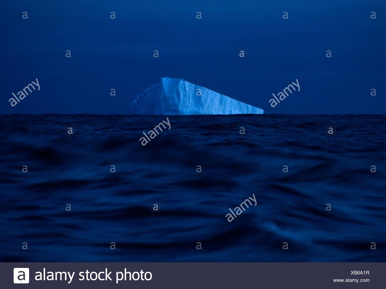 Eis-Wagen aus den Gewässern der Antarktis. Stockfoto