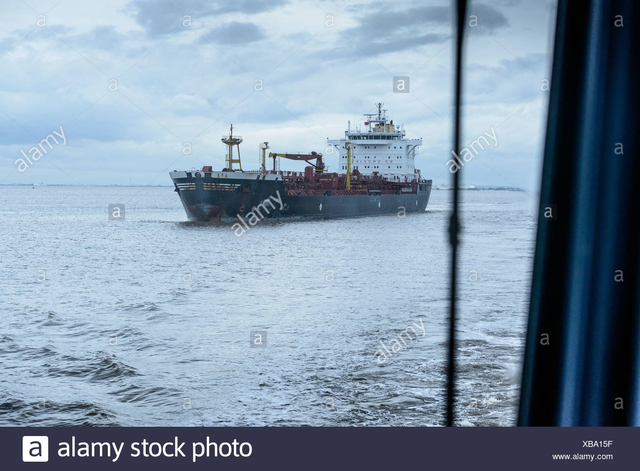Segelschiff auf See Stockbild