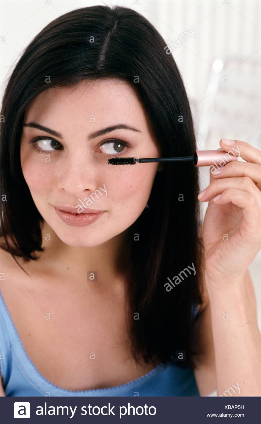 Schritt Für Schritt Make Up Weiblich Mit Brünette Haare Schwarze